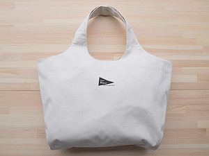 """ショッピングショルダーバッグ(TOTE BAG OFF WHITE """"Super Now"""")"""