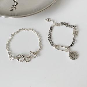 twist bracelet / clip bracelet