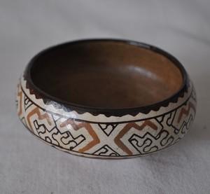 素焼きの壺3 シピボ族の工芸
