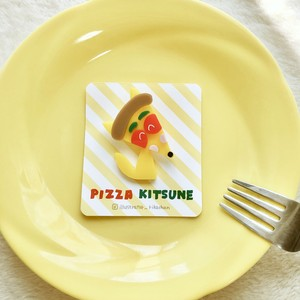 PIZZA KITSUNEブローチ