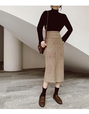 Design knit skirt