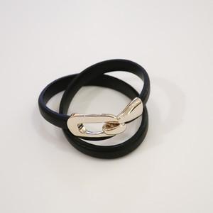 Rock Enclose Leather - Bangle / Black