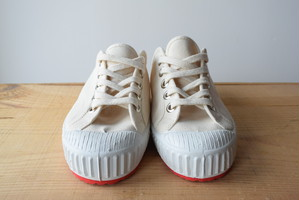 INN-STANT#702 OLD-NEO natural(white+red sole)