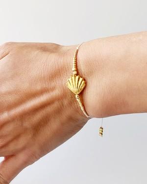 Shell gold bracelet