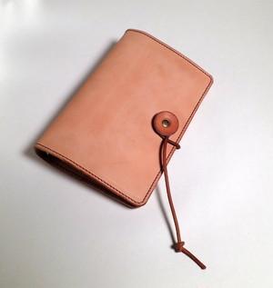 ナチュラルなヌメ革のシステム手帳[バイブルサイズ]しっくりくる手帳
