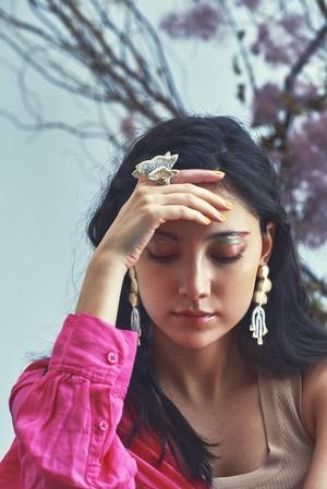 ARRO / Embroidery earring / NOI / ivory