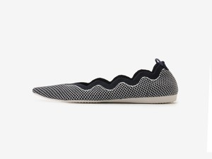 scallop pattern/ NAVY & WHITE