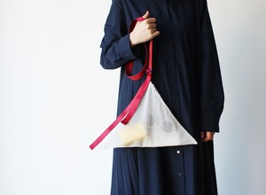 zero:Flat belted bag(フラット・ベルテッドバッグ):ショルダーバッグ 軽い 透ける 透明感