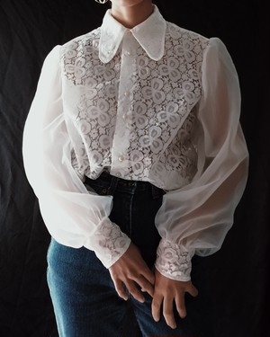 EUROPE VINTAGE / WHITE SHEER LACE BLOUSE.