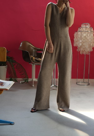 WRYHT -SLEEVELESS KNIT SUITS
