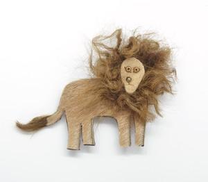 【urban animal】 ライオン ブローチ