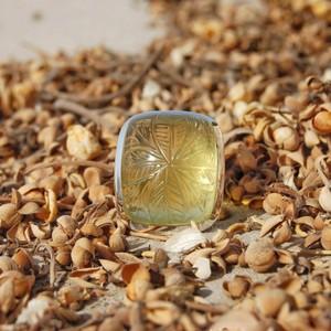 銀製レモンクォーツ アジャスタブルサイズリング 彫刻入りNatural Lemon Quartz Carved 925 Sterling Silver Adjustable Ring