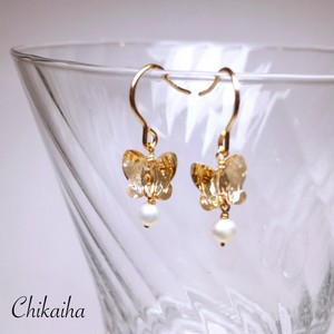 蝶と真珠のピアス