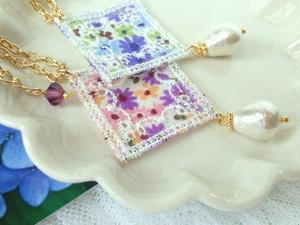 花柄菱レースとコットンパール雫のドール用ネックレス