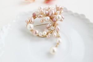 あこや真珠とピンク淡水パールのフラワーリース・ブローチ