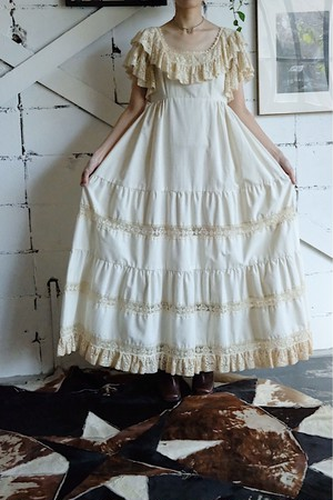 70s Couriers lace frill dress