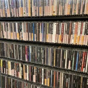 中古CD or DVD 1000円