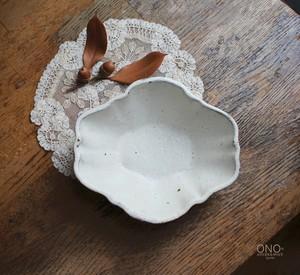 器のしごと 花オーバル鉢 M (白)