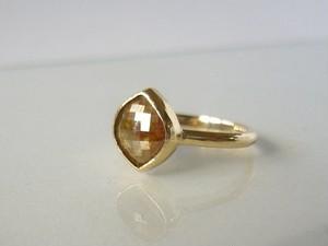 ナチュラルダイヤモンドの指輪(オレンジブラウン)
