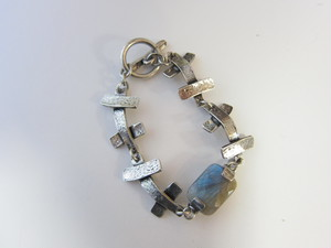 (IKUO)silver×ソーダライトブレスレット