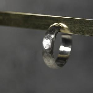 シルバープレーンフープピアス 5.0mm幅 つや消し槌目|WKS PLANE HOOP PIERCED EARRING 5.0 sv matte hammer|FA-384