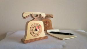 木の置き時計 電話機