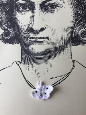 ARRO / 刺繍 ブローチ / MOTH / white