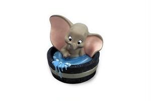 WDCC ディズニー ダンボ とても魅力的なダンボフィギュア 置き物