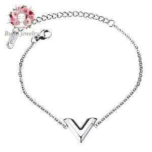 stainless v(bracelet)