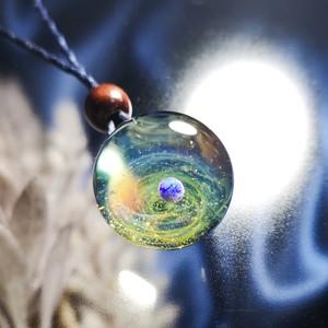 きらめくガラスの宇宙ペンダント/【訳あり品】20210329