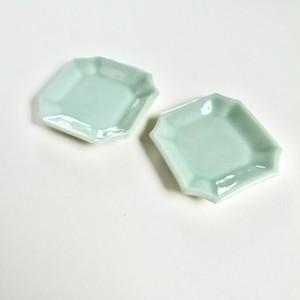[NO.037] 伊万里 グリーン 角豆皿 (1枚)明治 / Imari Small Green Plate  / Meiji