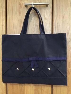 通園通学★ピンクの花の手刺繍:紺色レッスンバッグ