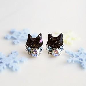 ◇雪花◇黒猫とスワロビジューのピアス/イヤリング