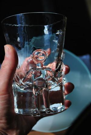 Erik Höglund Glass /Boda /Sweden  エリックホグラン の 父 母 息子 娘 レリーフ タンブラーグラス &おまけに ホグランのアダムアンドイブ ショットグラス 付けときます