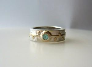 青いトルマリンの指輪
