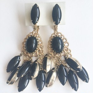 black filigree dangle earring[e-859]