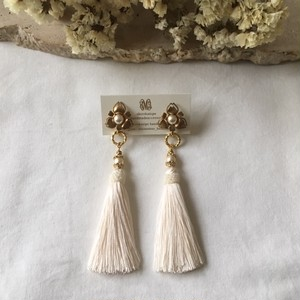 Import brass flower × white tassel ピアス(イヤリング)2way