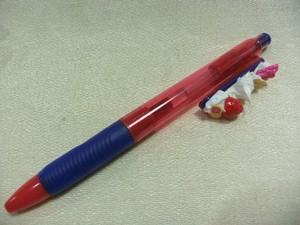 ノック式ボールペン赤①