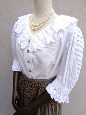 White blouse with ruffle collar /フリルカラーホワイトブラウス