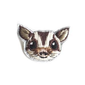 フクロモモンガのミニ刺繍ブローチ