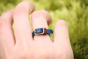 本革の小さなベルトリング|ネイビー
