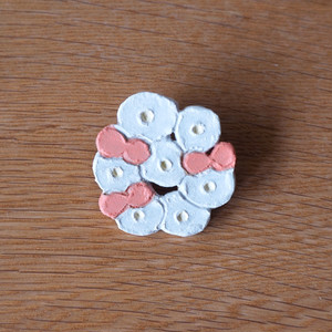 flower and butterfly race brooch (d)