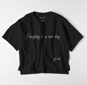 glrow chic  Everyday is a new day T ブラックサイズフリー