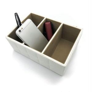 クールでお洒落な収納ケース! PUレザー  整理  収納 高級感  仕切り スマホ収納 小物入れ(黒・白)