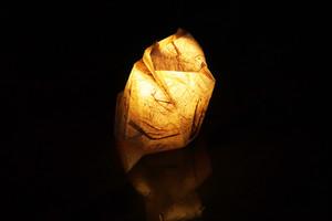 手漉き和紙のおすわりネコ 杉皮