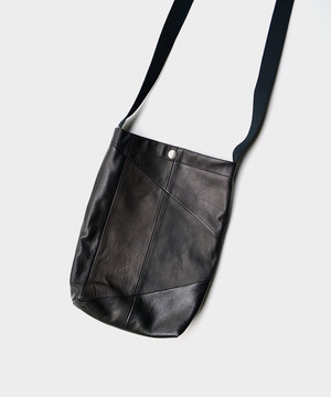 HOMELESS TAILOR PATCH LEATHER BAGBLACK