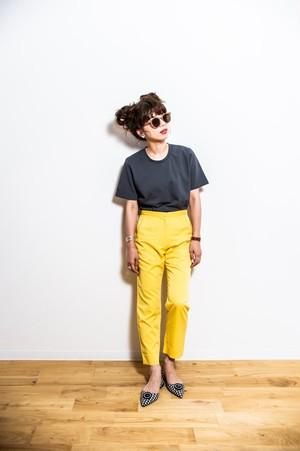 colour taperd pants
