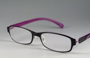 薄型スタイリッシュなやわらか老眼鏡・パープル/ソフトケース付き[603PU]