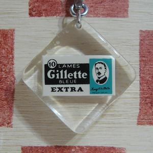 アメリカ Gillette[ジレット] カミソリ製品メーカー広告ブルボンキーホルダー