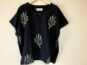 刺繍のプルオーバーブラウス*ちいさな花束